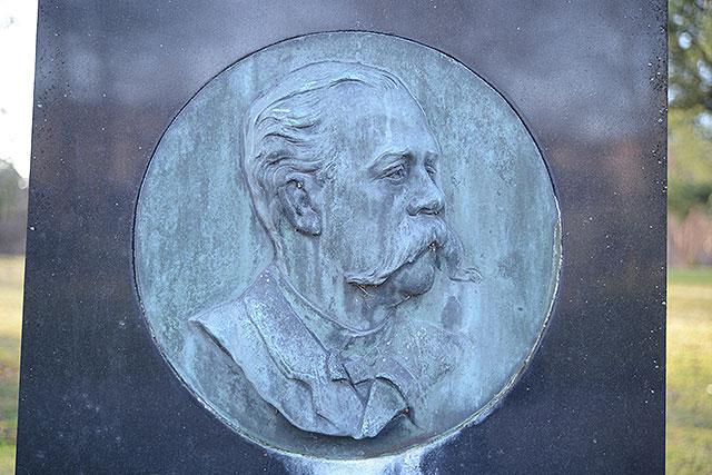 Sten nr 239 – Knut Leopold Beckman