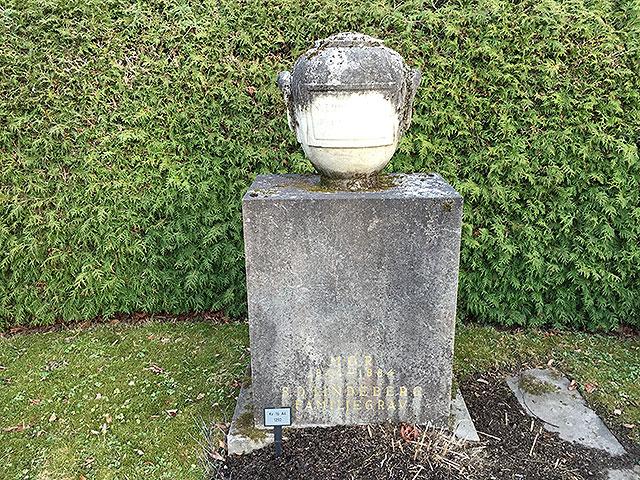 Sten nr 285 – Sverre Albert Holmström