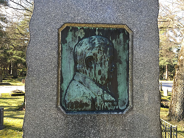 Sten nr 323 – Axel Backman