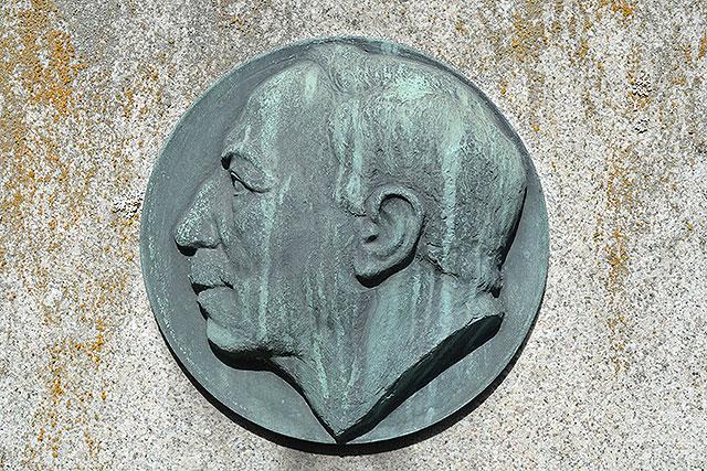 Sten nr 427 – Thomas Theodor Heine