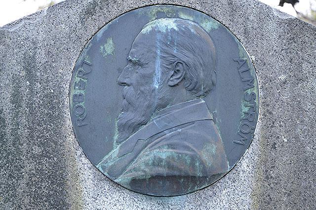 Sten nr 433 – Robert Almström