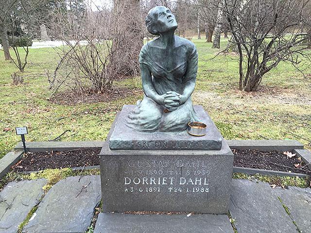 Sten nr 98 – Dorriet Dahl